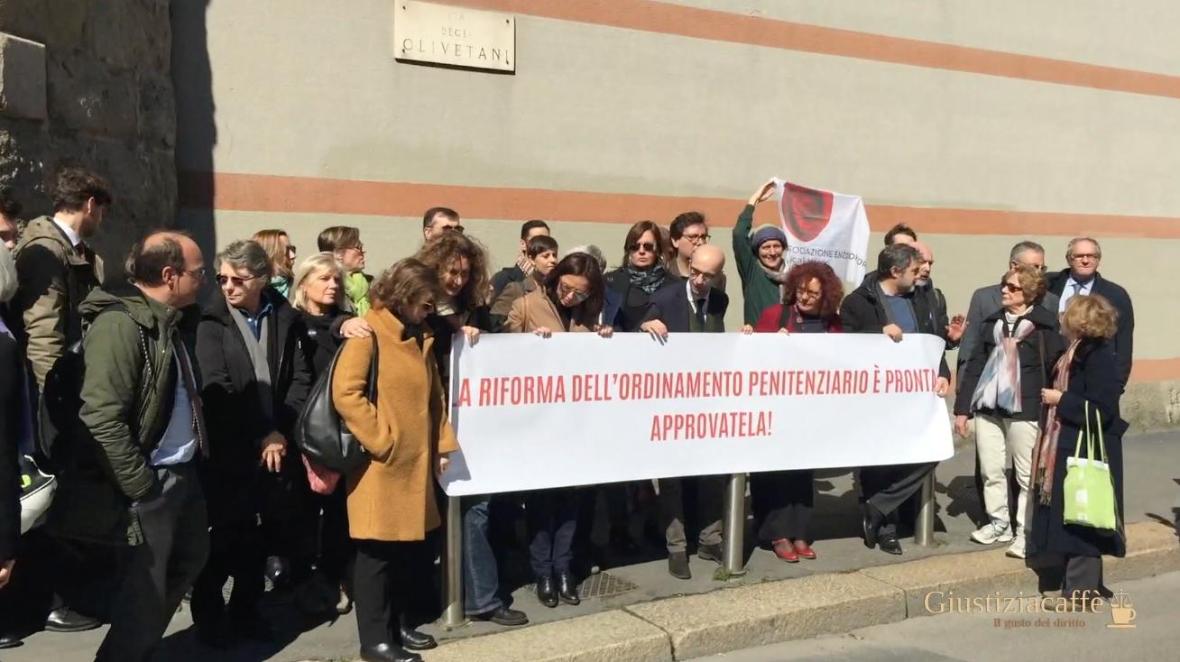 Presidio Camera Penale di Milano davanti a San Vittore per chiedere riforma ordinamento penitenziario