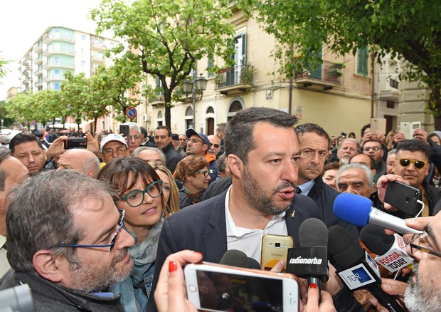 """Voli di Stato per comizi,Salvini: """"No abusi, l'inchiesta fa ridere"""""""