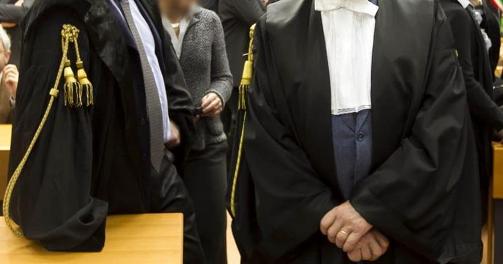 Denuncia l'avvocato per patrocinio infedele, si ritrova accusato di minacce e percosse