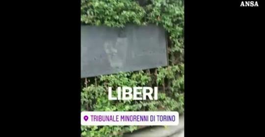Bulli ci ricascano, insulti fuori del tribunale di Torino Avevano concluso tre anni di lavori socialmente utili per panino con escrementi