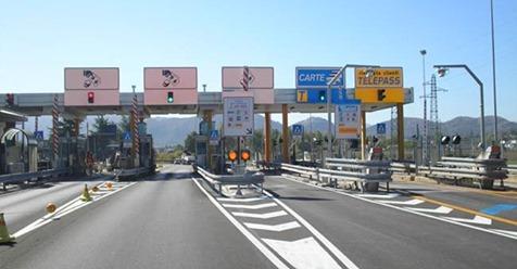 Pedaggio autostrada: se c'è sciopero dei casellanti si paga?
