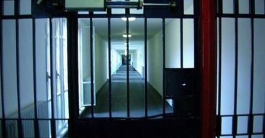 Torture nel carcere di San Gimignano, indagate 15 guardie Vittima un cittadino tunisino. Per quattro il Dap annuncia la sospensione immediata. Pioggia di reazioni