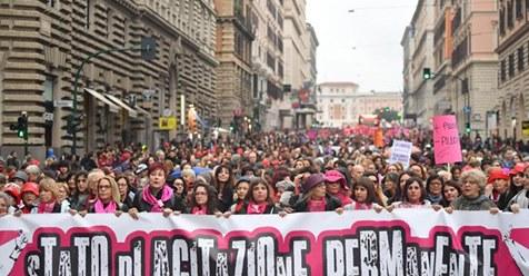 Violenza sulle donne: vittime e carnefici soprattutto italiani. Sabato la mobilitazione